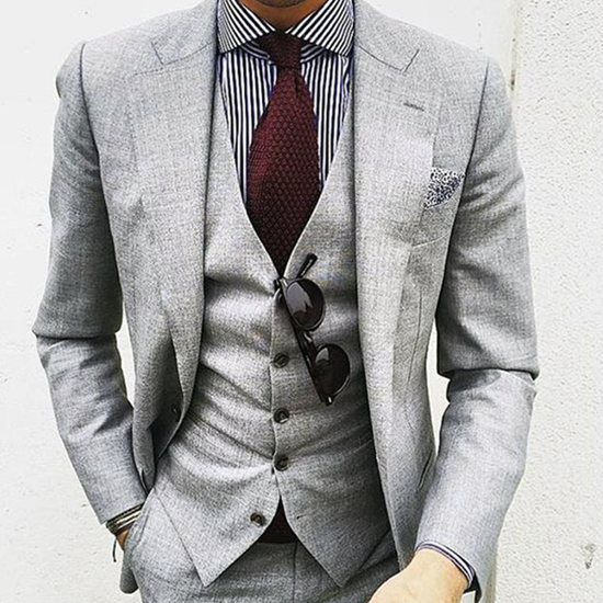 Picture of Light grey single breasted three-piece suit