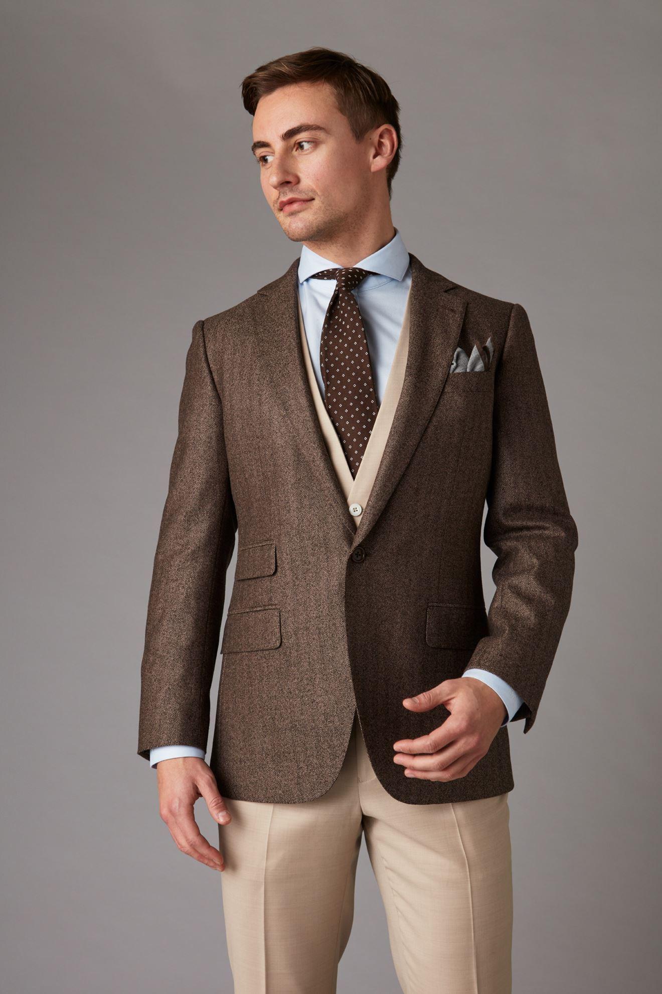 Brown tweed jacket front