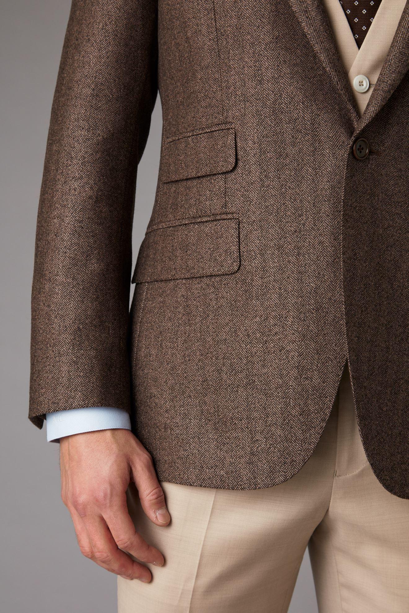 Brown tweed jacket detail 2